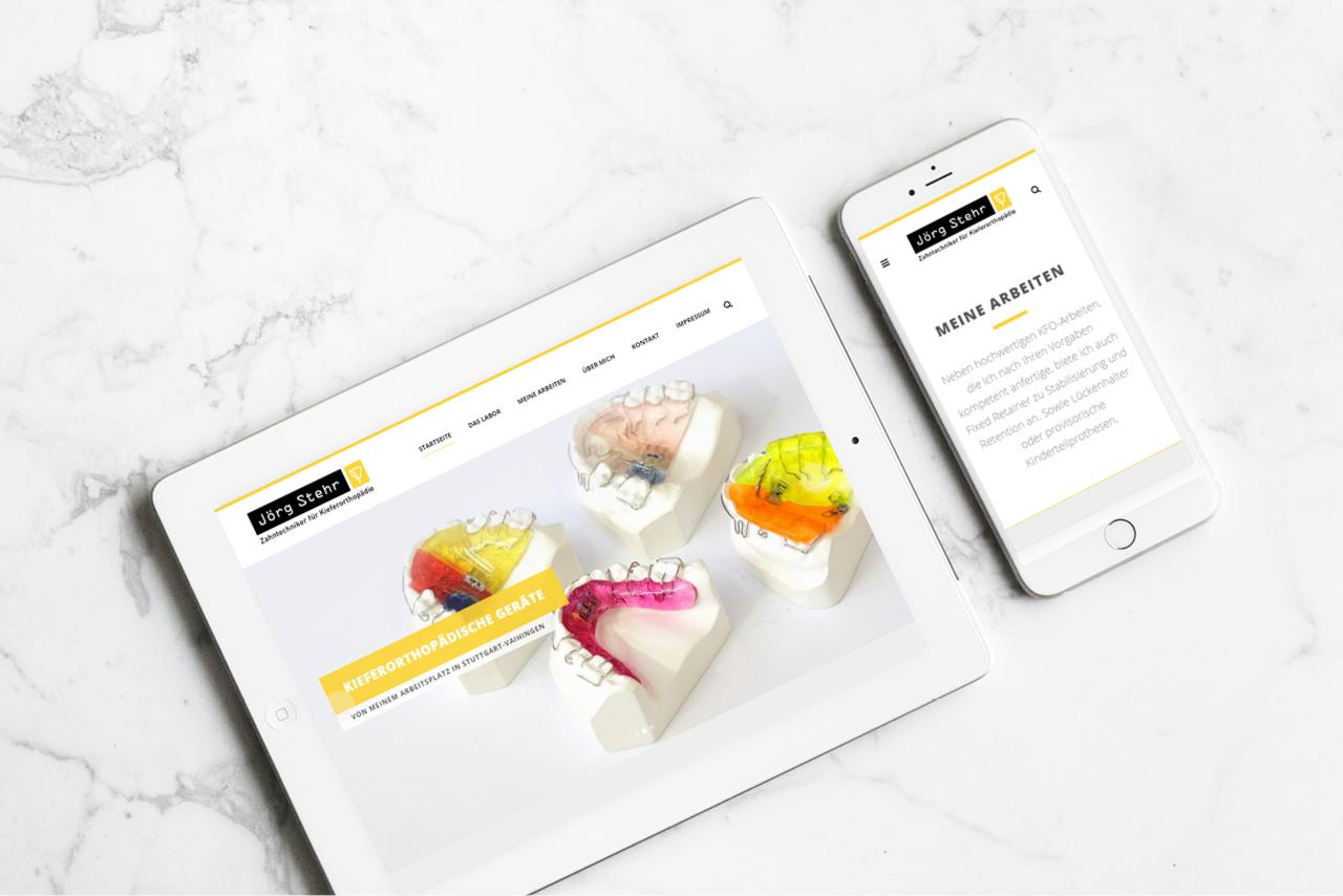 Bild der Webseite von KFO Jörg Stehr Stuttgart, auf dem Ipad und einem Smartphone zu sehen