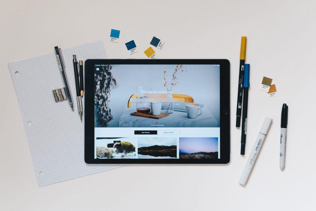 Bild einer Website auf einem Tablet